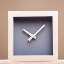 Reloj-Cube-Blanco-c-Azul