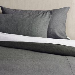 duvet-gris-plisado